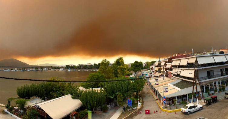 Φωτιά στην Εύβοια: 6 ερωτήματα που κάνουν το γύρο του Facebook