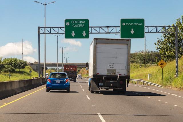 Autovía en Costa Rica