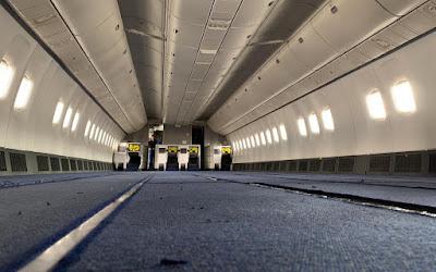 air_astana_767_cargo_2.jpg