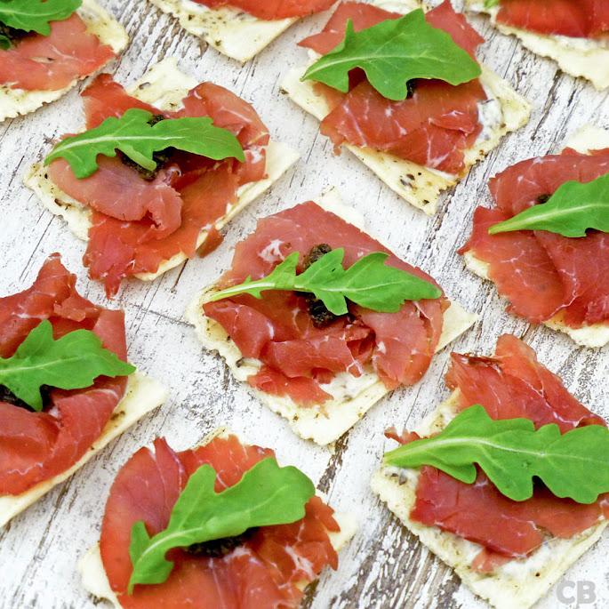 Luxe Italiaanse toastjes met bresaola en zelfgemaakte truffelmayonaise