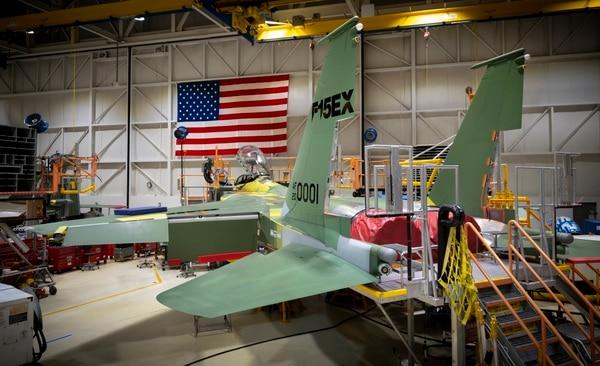 Збирання винищувача F-15EX