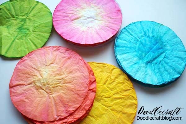 How to hand dye coffee filters bright colors using food coloring and water