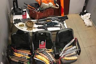 Quadrilha que planejava atacar bancos na PB é interceptada e três pessoas são presas com armas e dinamite