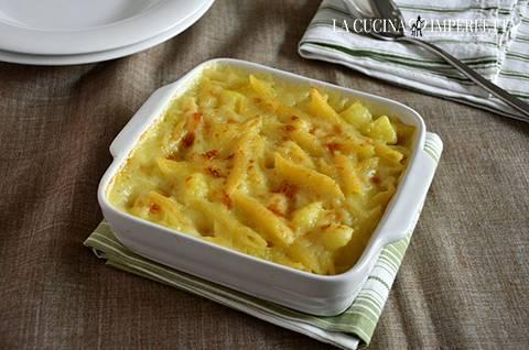 Pasta e patate al forno le ricette de la cucina imperfetta for Primi piatti particolari