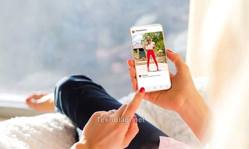 Cara Dapat Uang dari Instagram (footwearnews.com)
