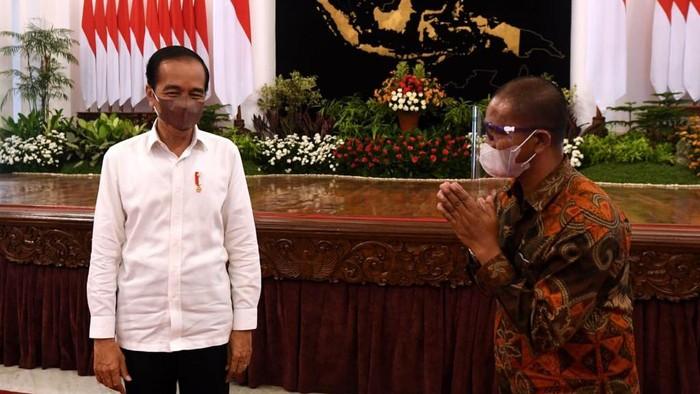 Akui Kaget Warga Bawa Poster Ditangkap Polisi, Jokowi: Pak Kapolri Sudah Saya Tegur