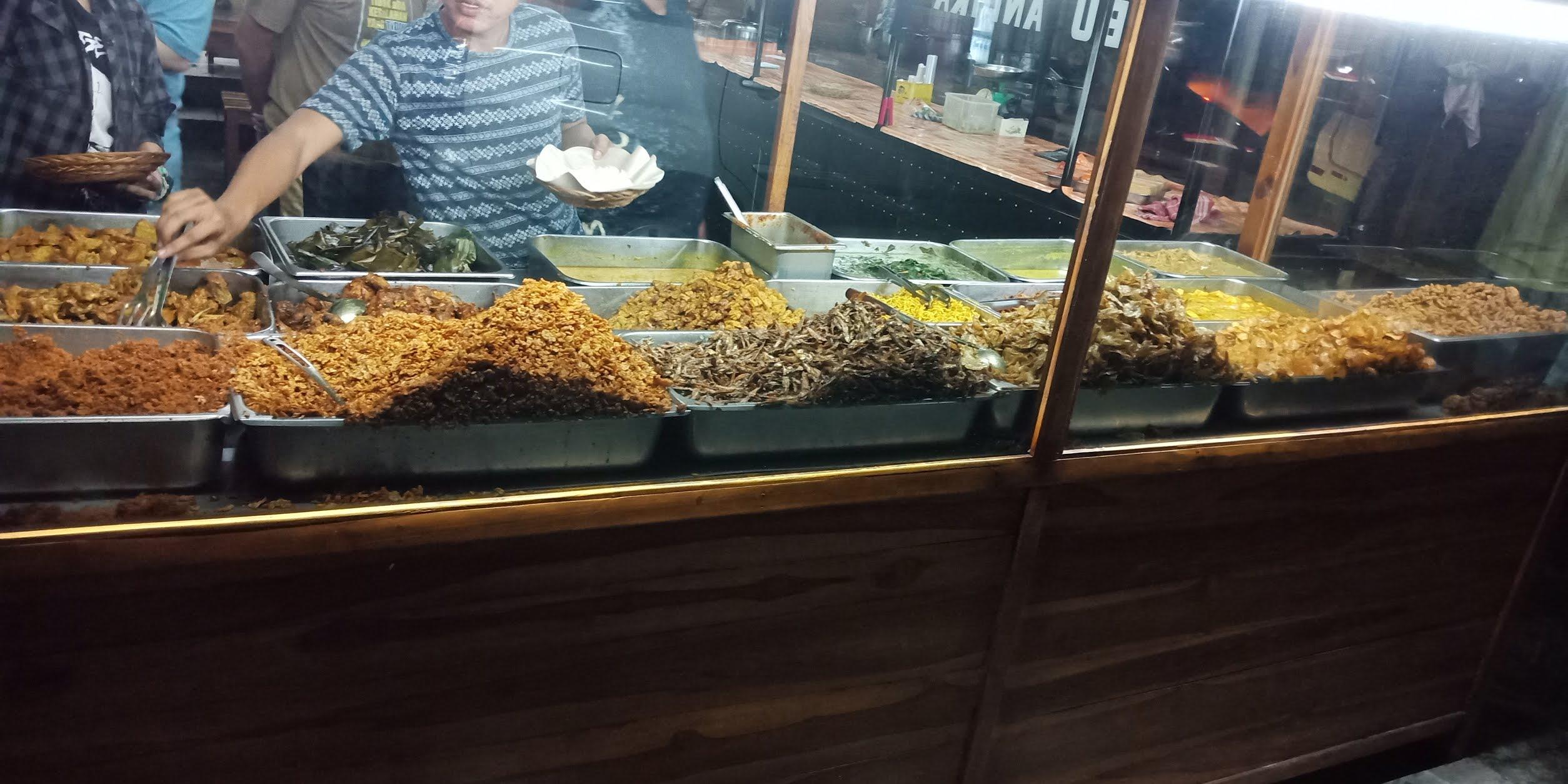 review nasi pedas bu Andika di Bali