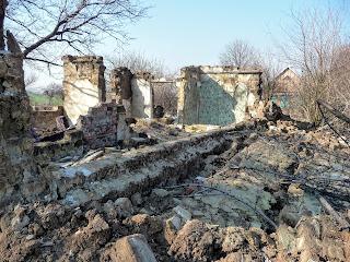 Сухой Яр, Покровский р-н. Улица Калиновая. Остатки жилых домов
