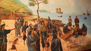 Kenapa Islam mudah diterima oleh rakyat Nusantara? Sebelum kemasukan Islam ke Nusantara, agama Hindu-Buddha telah berkembang dan berakar dalam kehidupan rakyat Indonesia selama 600-700 tahun