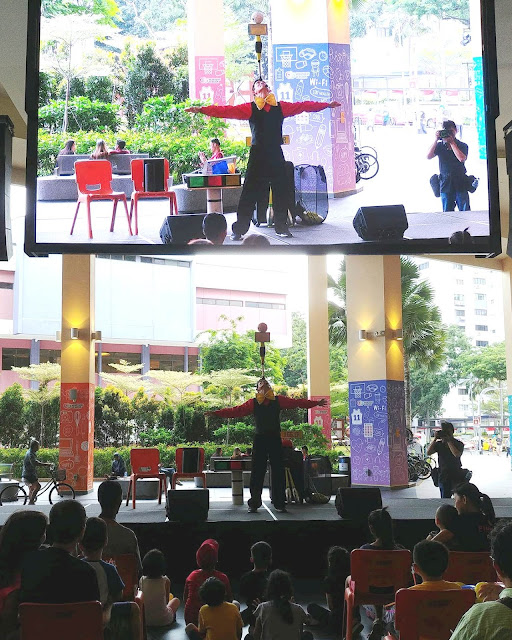 Juggler in Singapore performs his show for everyone