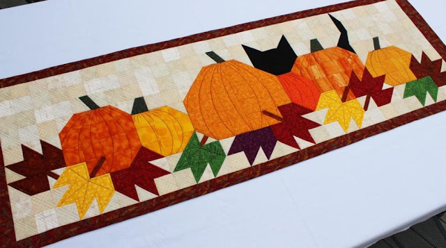 Pumpkat Patch table runner