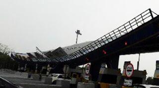 Atap Gardu Tol Roboh, Lalin Tol Dialihkan