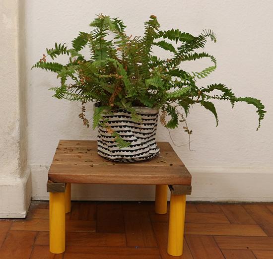 como decorar vasos de plantas de plástico, decorar vaso de planta, ideias para vasos de plantas