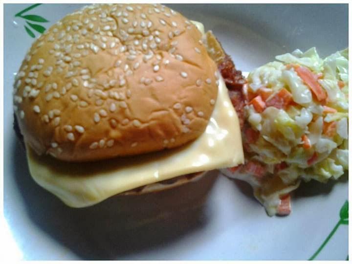 1 Kuali Burger Rm60 2 Dapur Bulat Rm80 3 Sudip Dan Penekan Rm10 4 Meja Rm100 5 Payung Rm90 6 Tempat Letak Roti Rm50 150