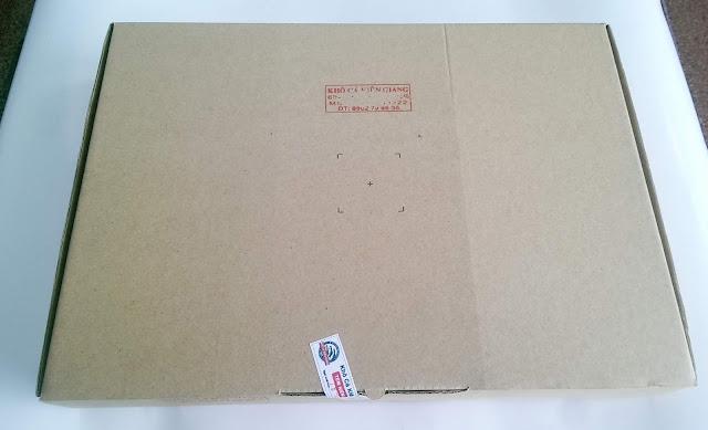Sản phẩm được đóng hộp nêm phong kèm ngày xuất kho trước khi gửi đến khách hàng