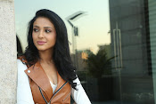 priyashri new sizzling stylish photos-thumbnail-1