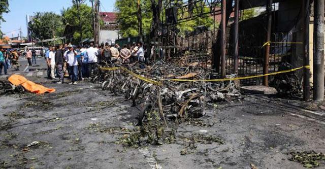Karena Bertentangan dengan Islam, HTI Kutuk Pengeboman di Tiga Gereja di Surabaya
