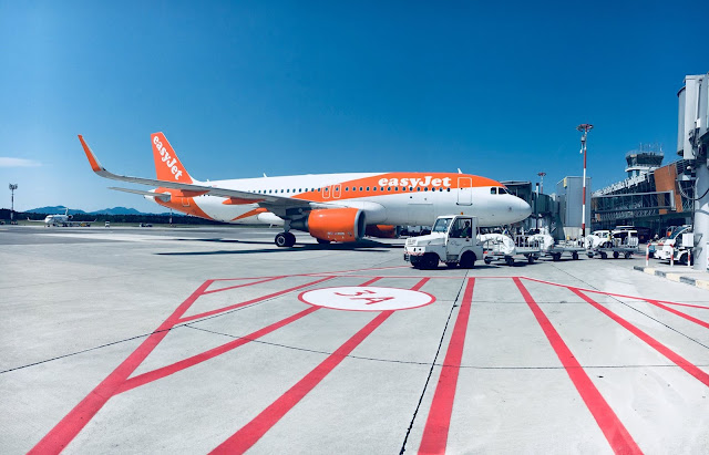 easyJet A320 jet at Ljubljana Airport