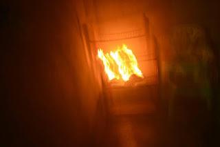 Embriagado, homem coloca fogo na própria casa no Conjunto Jose Reinado Wanderley, Cacimbinhas.