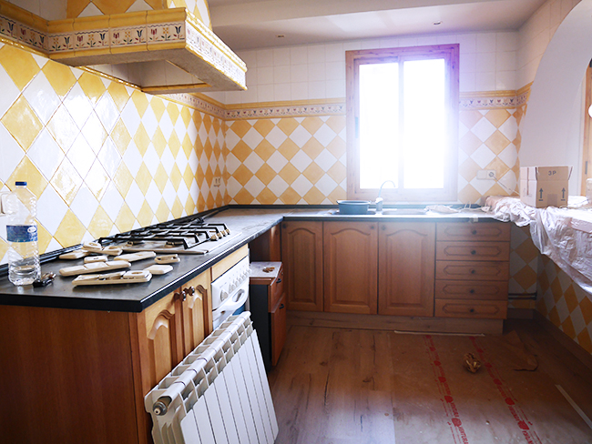 Crea decora recicla by all washi tape autentico chalk - Pintar azulejos cocina ...