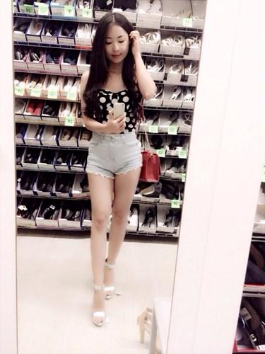 """Mê mẩn nhan sắc hot girl Ninh Bình """"chân dài mét mốt"""""""