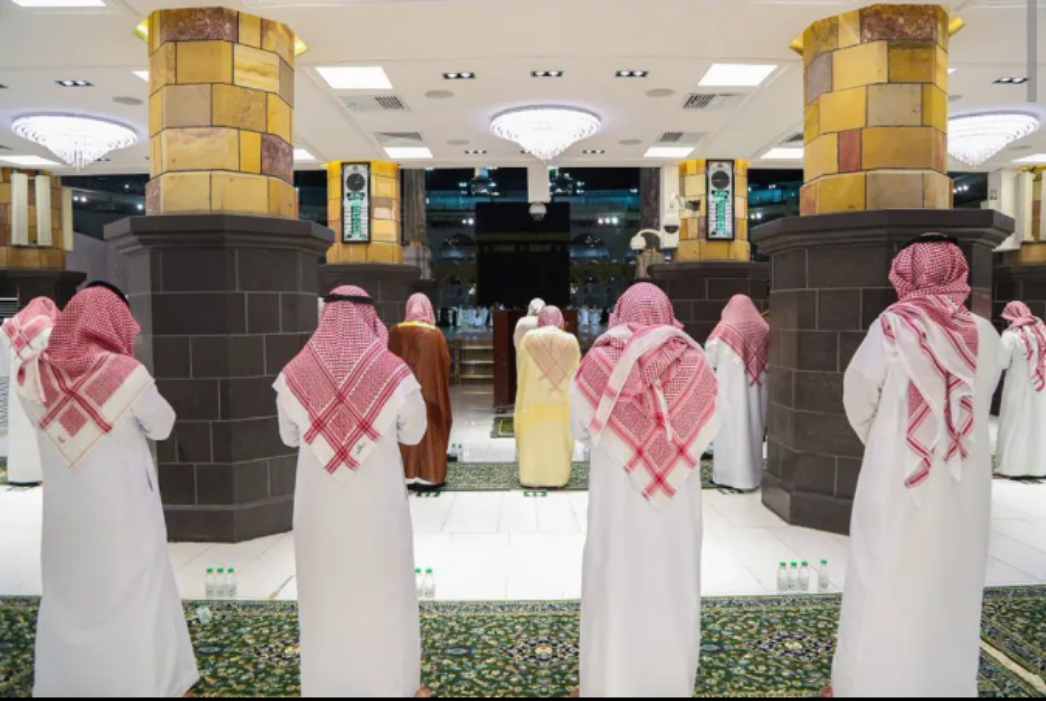See The Photos From First Tarawih Prayers In Mecca and Medina.