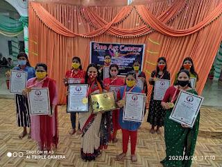 आज़मगढ़ : वर्ल्ड रिकॉर्ड्स इंडिया में नाम दर्ज करा कलाकार बेटियों ने बढ़ाया जिले का मान | #NayaSaveraNetwork
