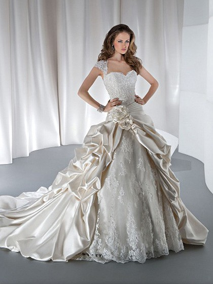 http://www.dressfashion.co.uk/product/princess-square-satin-lace-chapel-train-ivory-flowers-wedding-dresses-4219.html ?utm_source=minipost&utm_medium=1131&utm_campaign=blog
