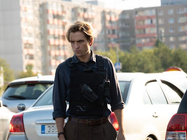 Robert Pattinson em TENET