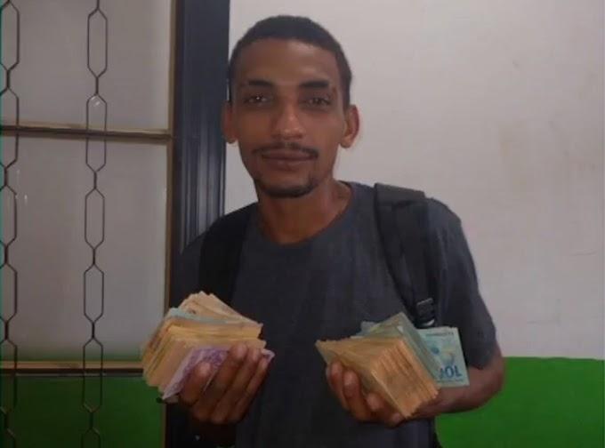 Funcionários de cooperativa de recicláveis encontram R$ 28,8 mil e devolvem ao dono