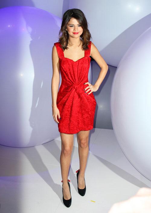 Entertainment Everyday Selena Gomez Linked To New -7468