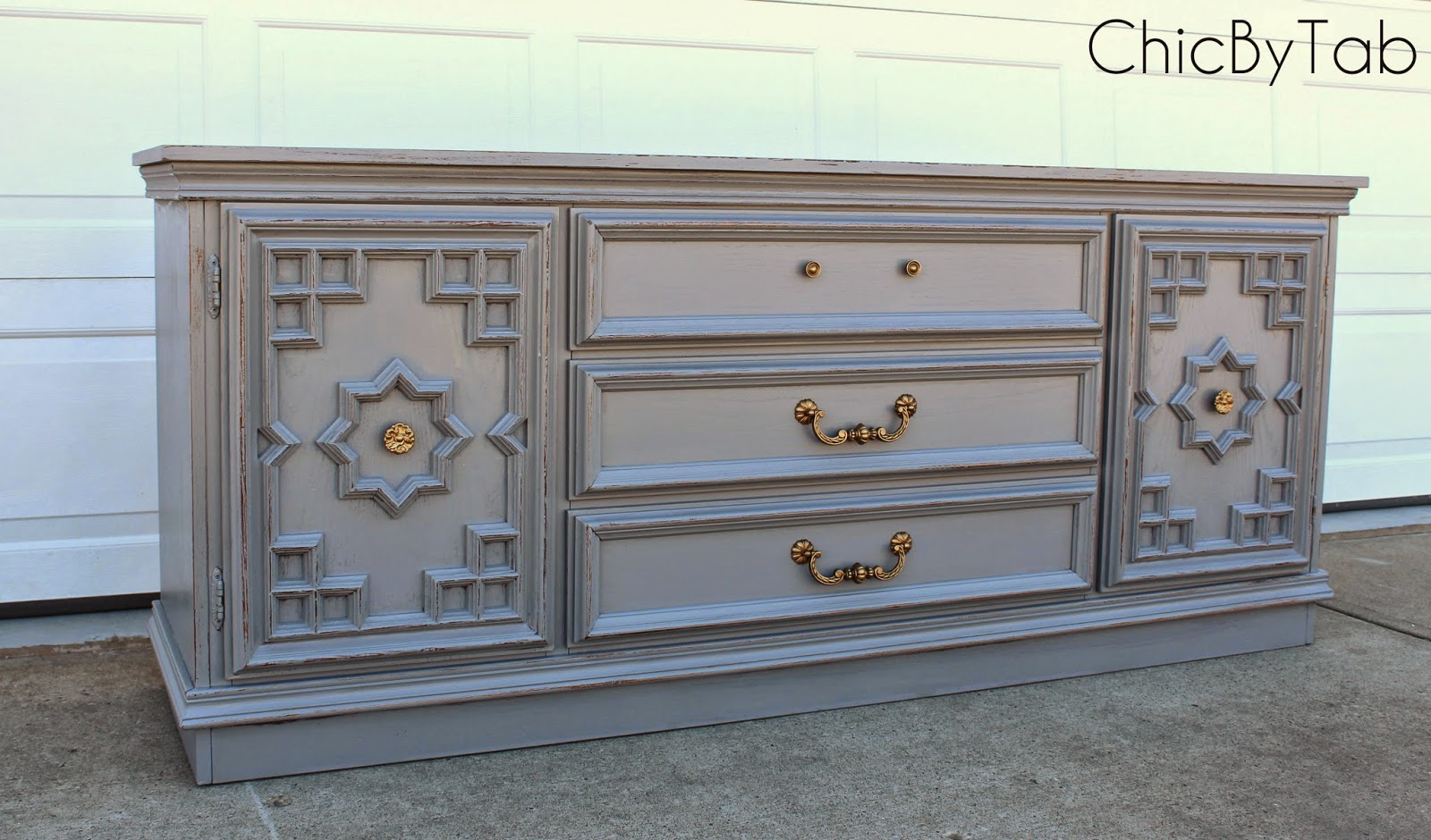 {ChicByTab}: Anonymous Distressed Grey Sideboard