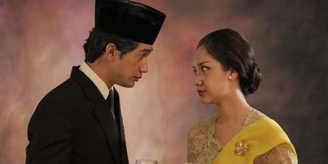 Habibie & Ainun - Movies Maniac