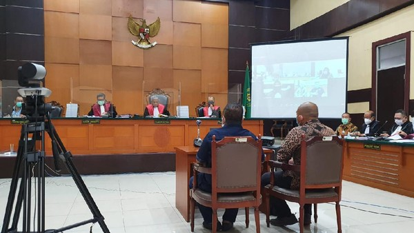 Hakim 'Semprot' Tommy Sumardi Gegara Jawab Tak Tahu soal Djoko Tjandra Buron