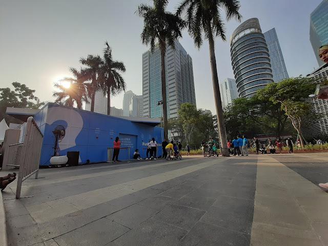 Unboxing Kado Besar di Car Free Day Sudirman (1) - jurnaland.com