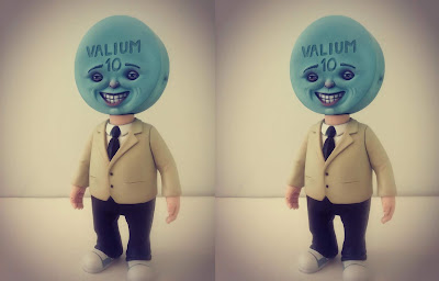 Pill Head Vinyl Figure by Bob Dob x 3DRetro