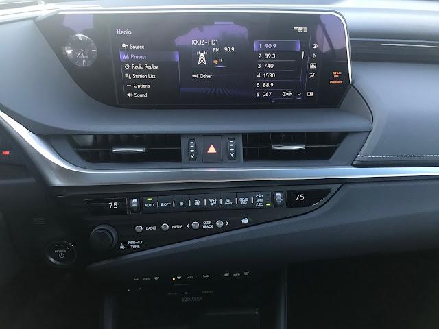 Infotainment and HVAC in 2020 Lexus ES 300h