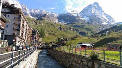 Valle d'Aosta gite e vacanze - Itinerari tra montagne laghi e cascate