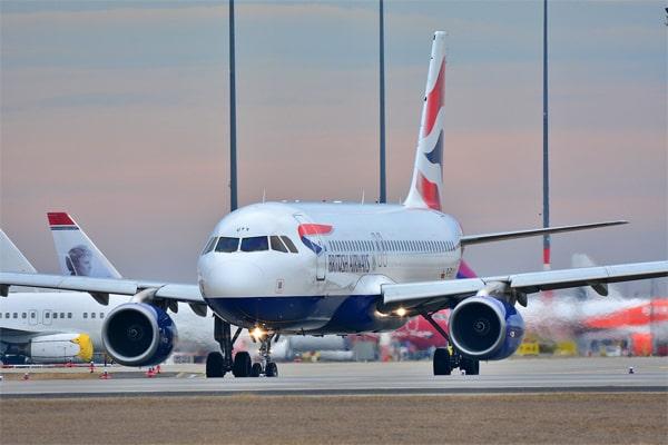 Kenapa Pesawat Penumpang Gak Ada Yang Berwana Hitam