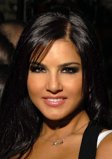 Sunny Leone face photo