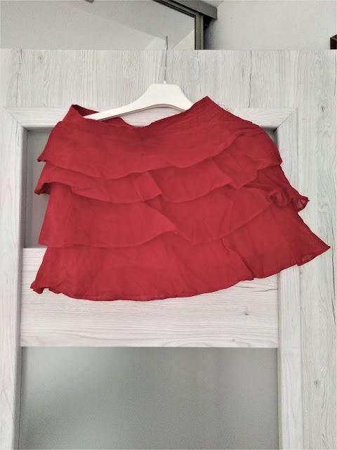 lniana-spodniczka-czerwona-z-falbankami-