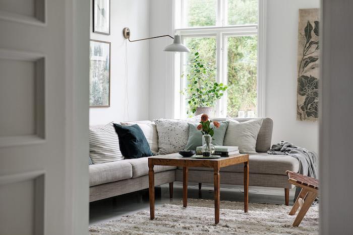 Salón con sofá en L