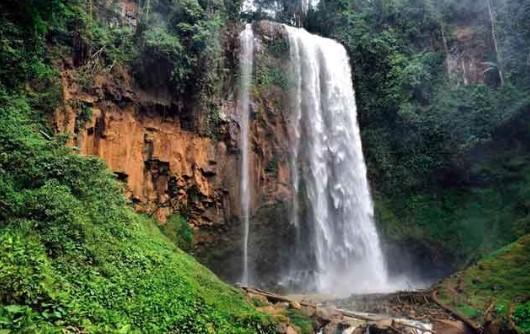 Air Terjun Semantung  di Lampung Barat
