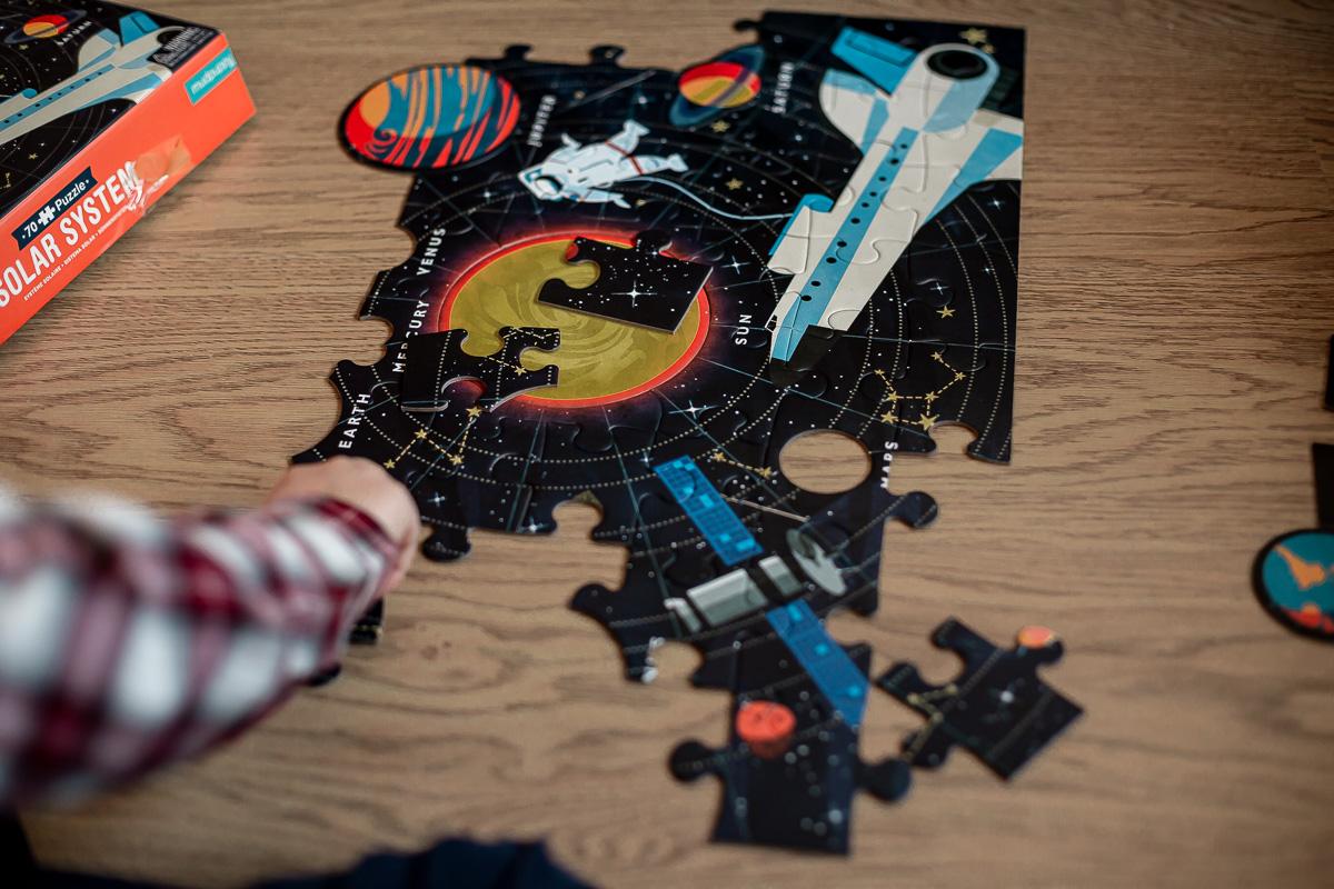 Puzzle Układ Słoneczny z elementami w kształcie planet