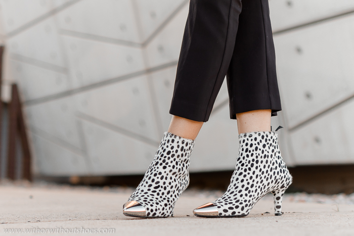 botines animal print estampado dalmata blanco y negro AGL made in Italy