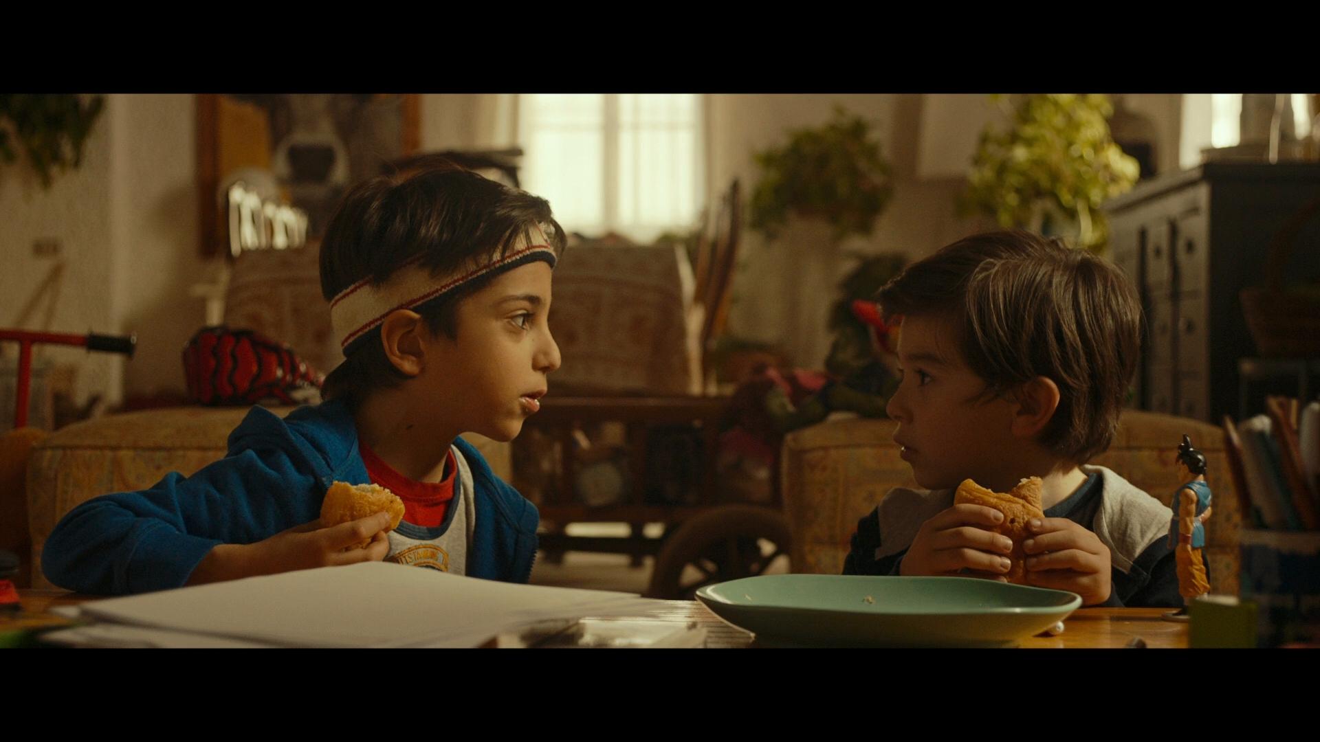 Mi hermano persigue dinosaurios (2019) 1080p BRRip