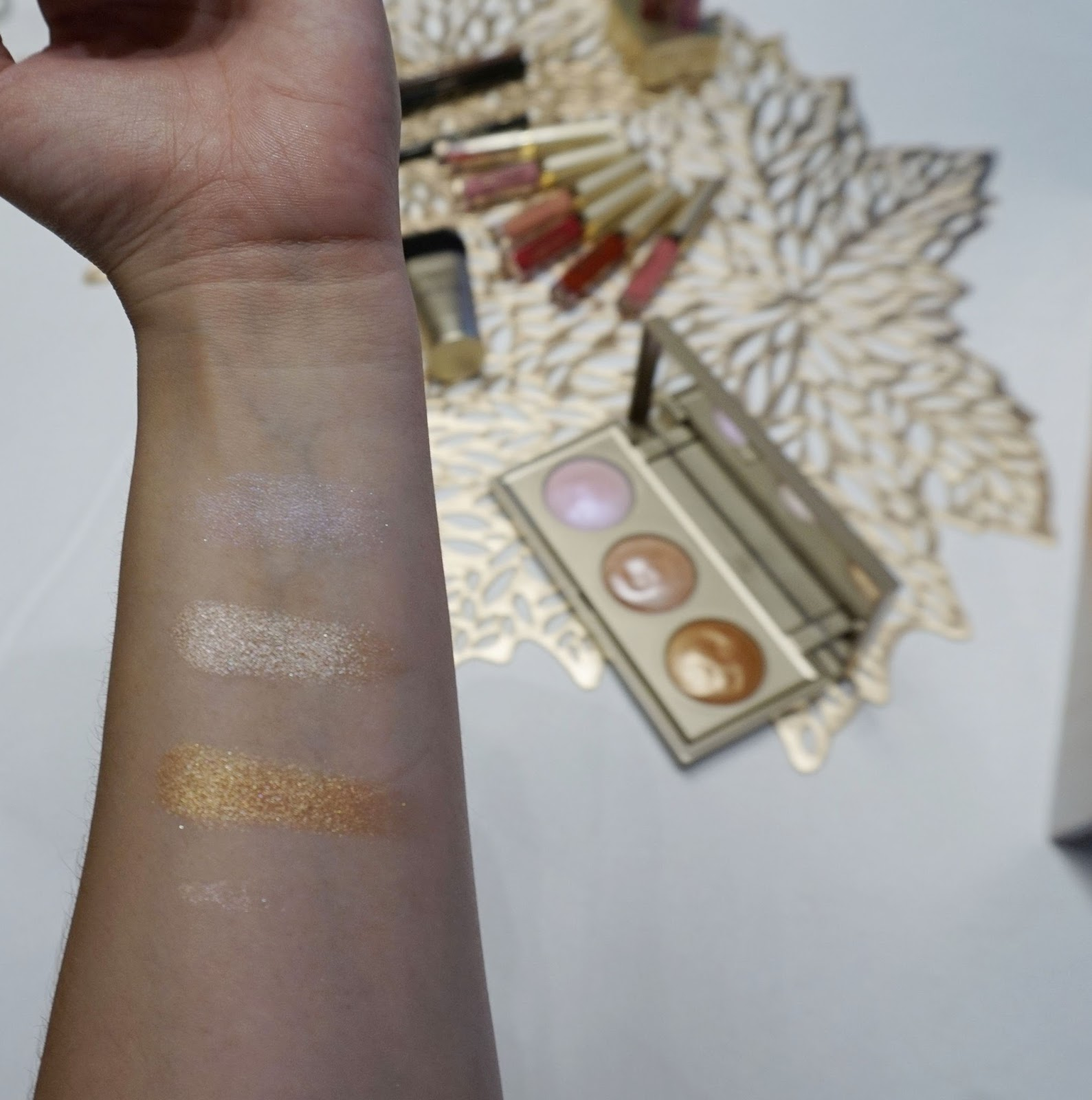 stila Star Light, Star Bright Highlighting Palette swatches