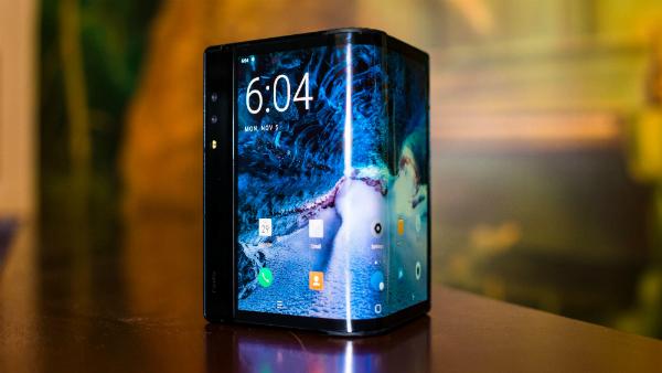 Chinese company Royole unveils its folding phone