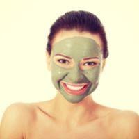 قناع الوجه: 10 وصفات منزلية للعناية بالوجه