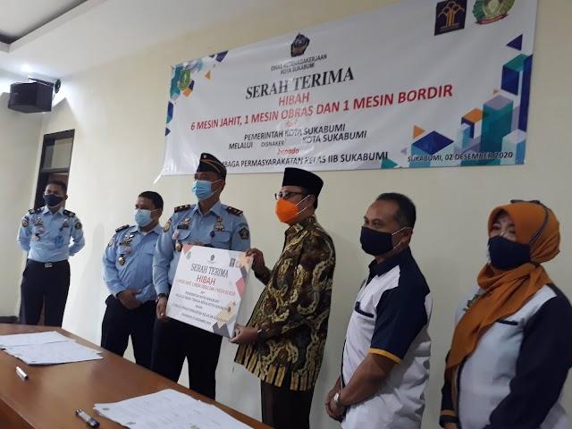 Pemkot Sukabumi Serahkan Hibah Mesin Jahit ke Lapas Sukabumi